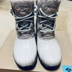 Sperry Saltwater Quilted Duck Boot Oyster Wool 8.5